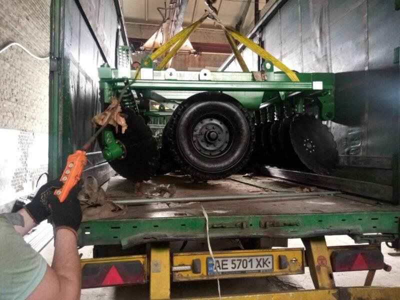 Перевозка сельхозтехники Днепр