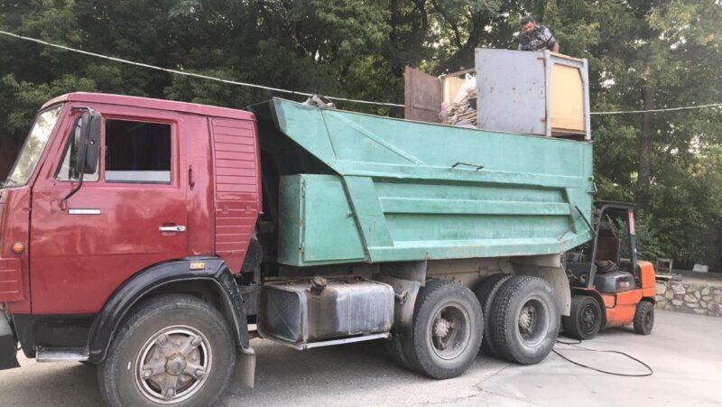 Вывоз веток и листьев в Днепре